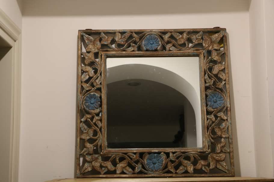 Orientale specchio antico for Specchio antico rovinato